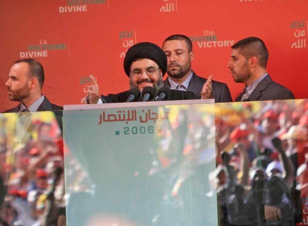 L'art de l'image et l'iconographie du Hezbollah - Photo de Nassrallah utilisée comme une affiche, après son discours durant le festival de 22 septembre qui a suivi la guerre de juillet 2006